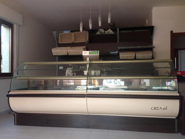 Panetteria briciole di pane arredamenti per bar negozi e for Arredamenti per locali commerciali